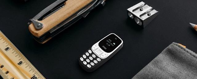 В России выпустили миниатюрный телефон стоимостью 990 рублей