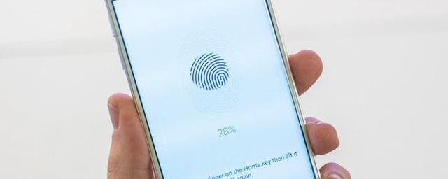 Эксперты рассказали, чем опасно использование отпечатка пальца для разблокировки смартфона